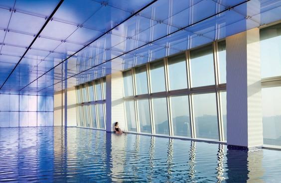 Отель «Ритц-Карлтон», Гонконг – бассейн
