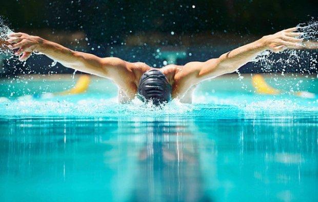 Плавать баттерфляем