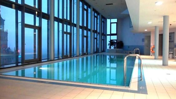 Отель «InterContinental», Варшава – бассейн