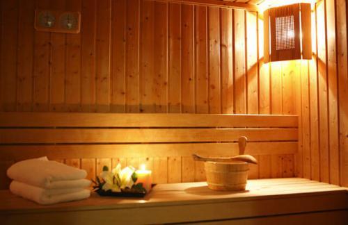 Как правильно посещать бассейн с сауной. Правила посещения финской сауны