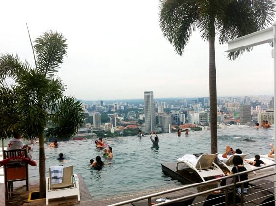 Отель «Marina Bay Sands» – бассейн