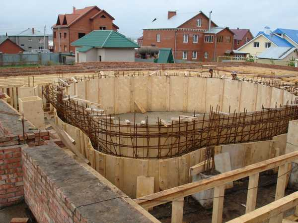 Бассейн в баню своими руками: устанавливаем опалубку