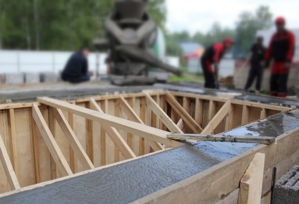 бассейн бетонный заливка бетоном 2