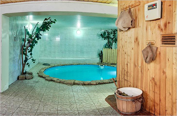 Декоративный бассейн в бане