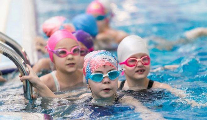 Польза плавания в бассейне для ребенка