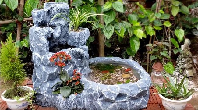 фонтан из цемента и пенопласта