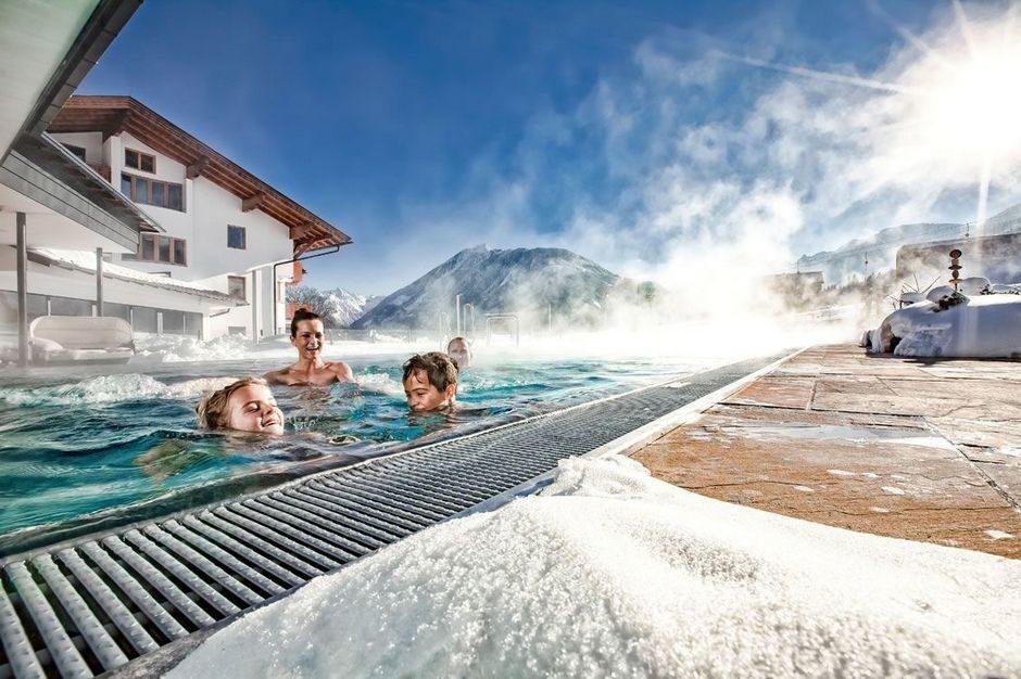 Теплый бассейн под открытым небом с подогревом цена, бассейн для купания зимой (3)